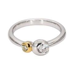 Natural Yellow & White Diamond Modern Ring 0.27 Carats Total Dia 18k Gold