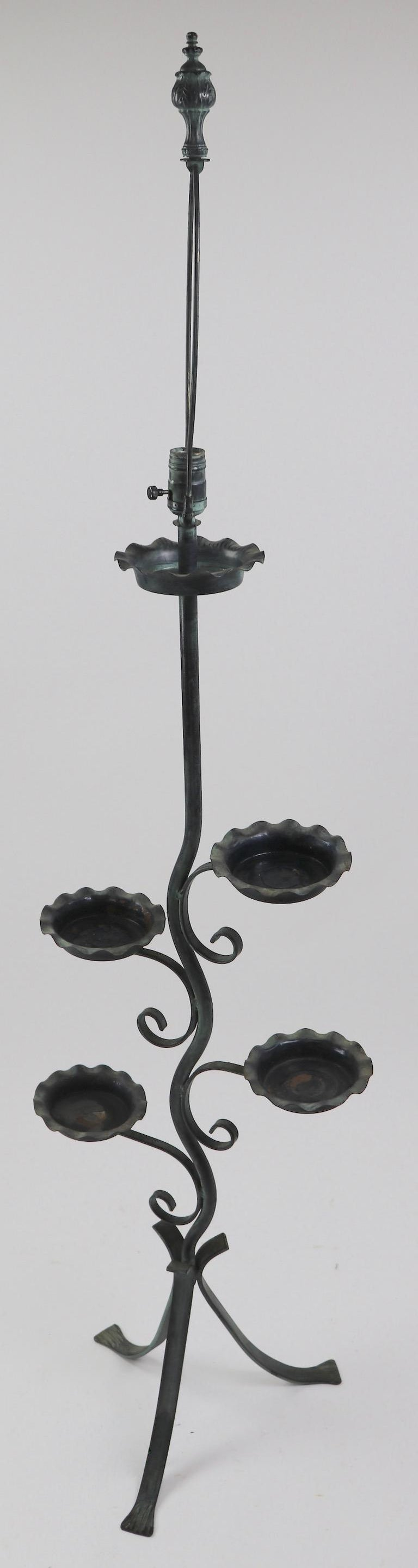 Naturalistic Plant Stand Floor Lamp attributed to Salterini  In Good Condition For Sale In New York, NY