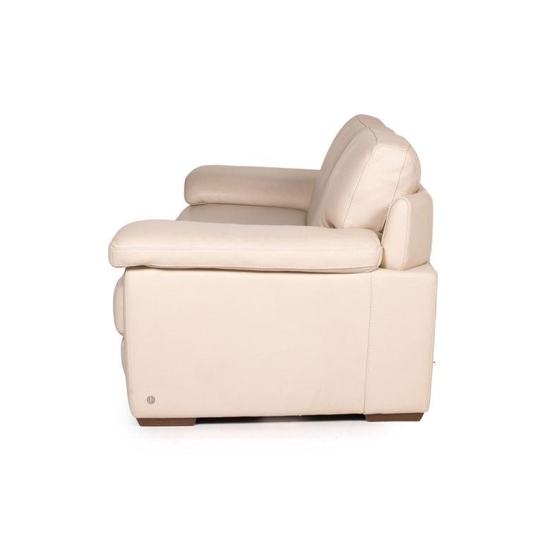 Natuzzi 2198 Leather Sofa Cream Three-Seater Couch For Sale 4