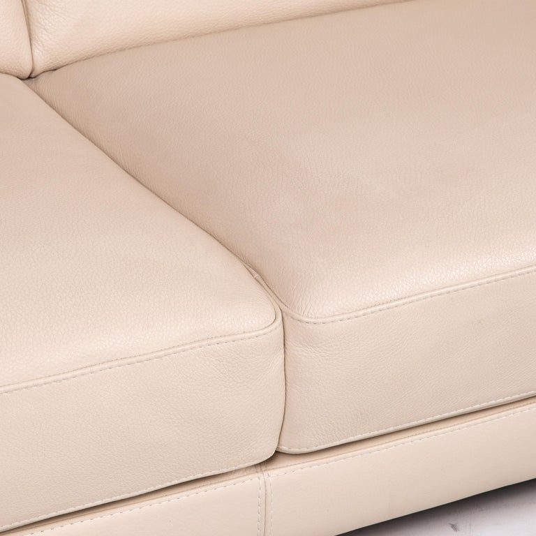 Modern Natuzzi 2198 Leather Sofa Cream Three-Seater Couch For Sale