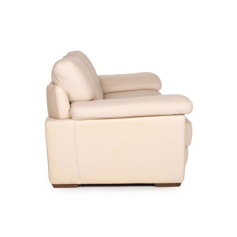 Natuzzi 2198 Leather Sofa Cream Three-Seater Couch For Sale 2