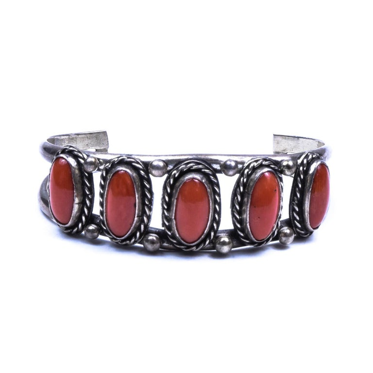 Navajo Coral Bracelet In Excellent Condition For Sale In Coeur d Alene, ID