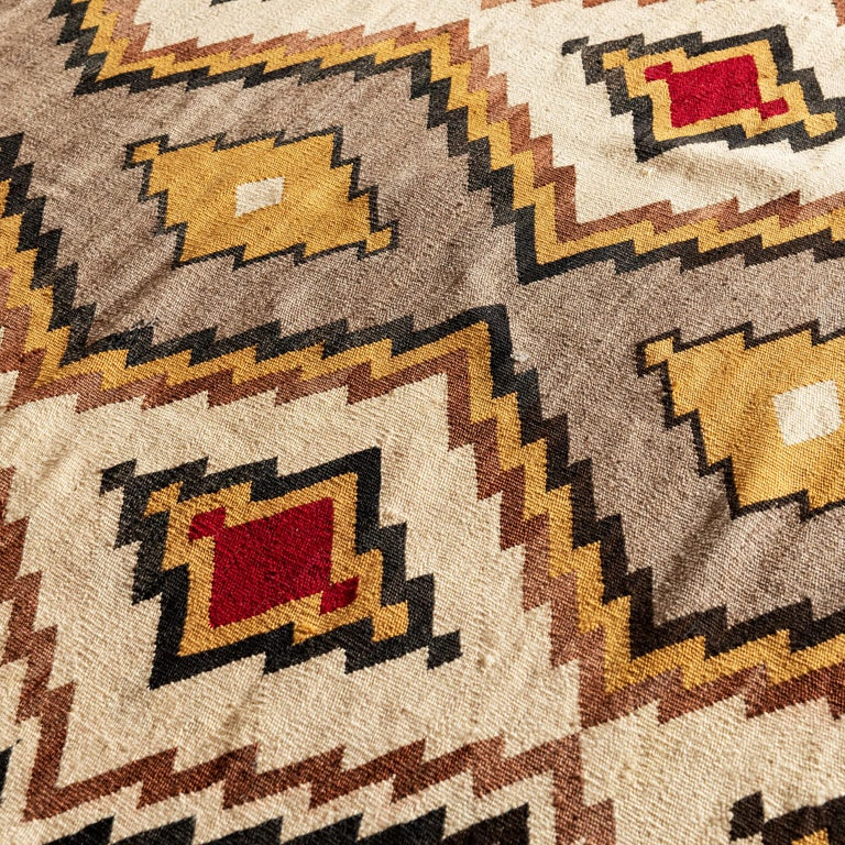 Hand-Woven Navajo Eye Dazzler Textile, 1940s For Sale