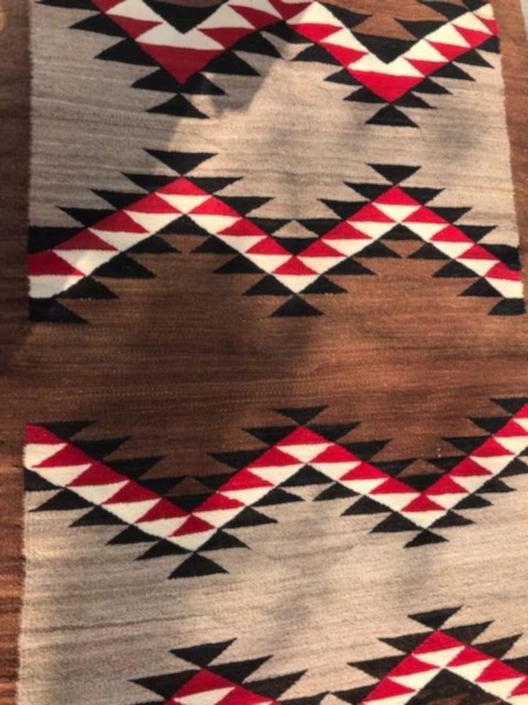 Navajo  Indian Eye Dazzler Weaving In Good Condition For Sale In Los Angeles, CA