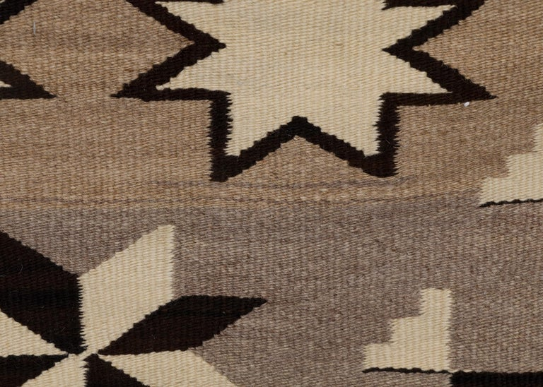 Navajo Rug, Vintage circa 1935 Trading Post Era Southwestern Weaving In Good Condition For Sale In Denver, CO
