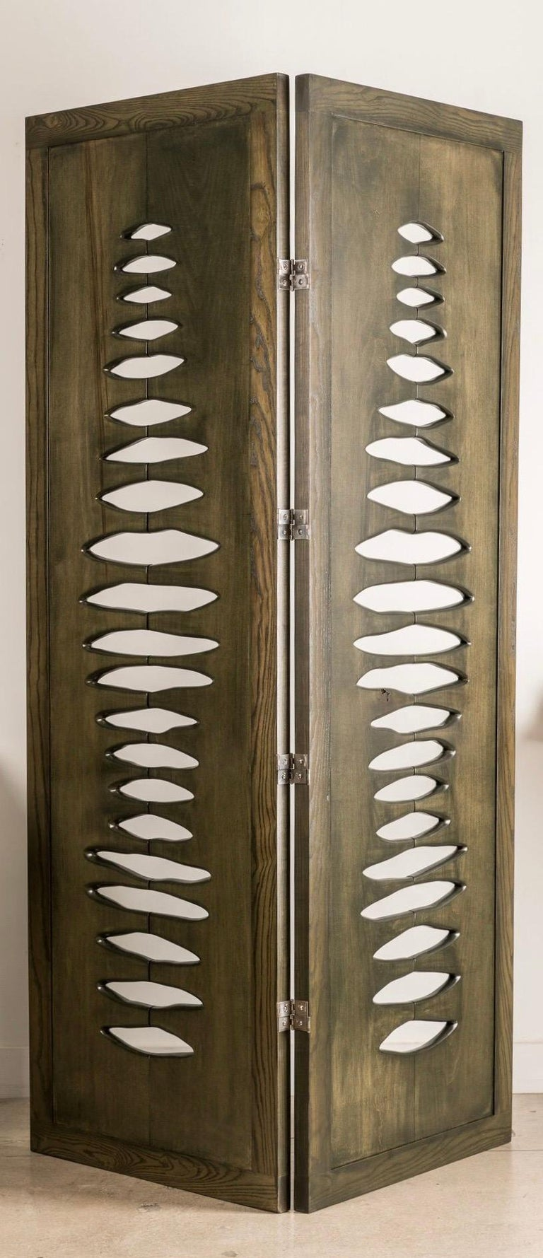 'Navajo' Sculptural Screen Space Divider in Solid Wood by Vivian Carbonell For Sale 2