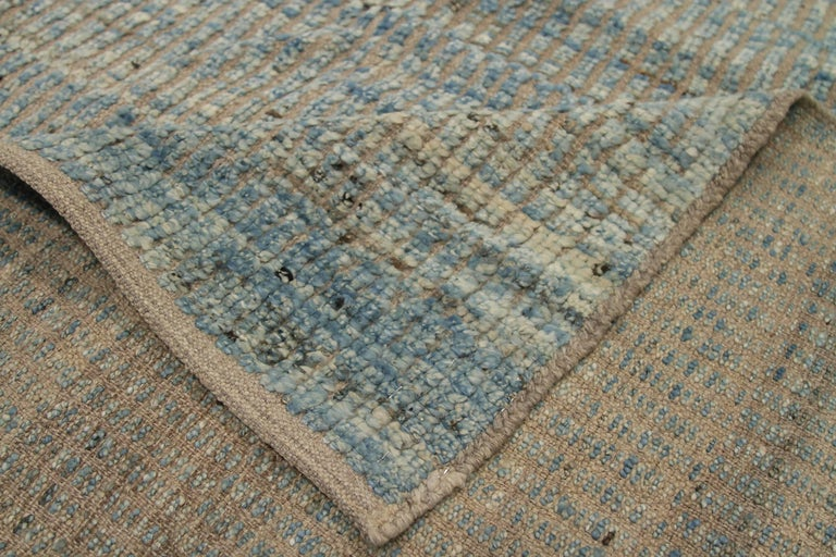 Nazmiyal Collection Blue Textured Modern Distressed Rug. 9 ft 8 in x 11 ft 8 in In New Condition For Sale In New York, NY