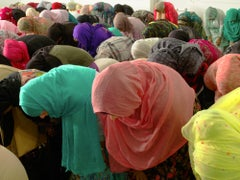 Muslim Women Bowing, New York City