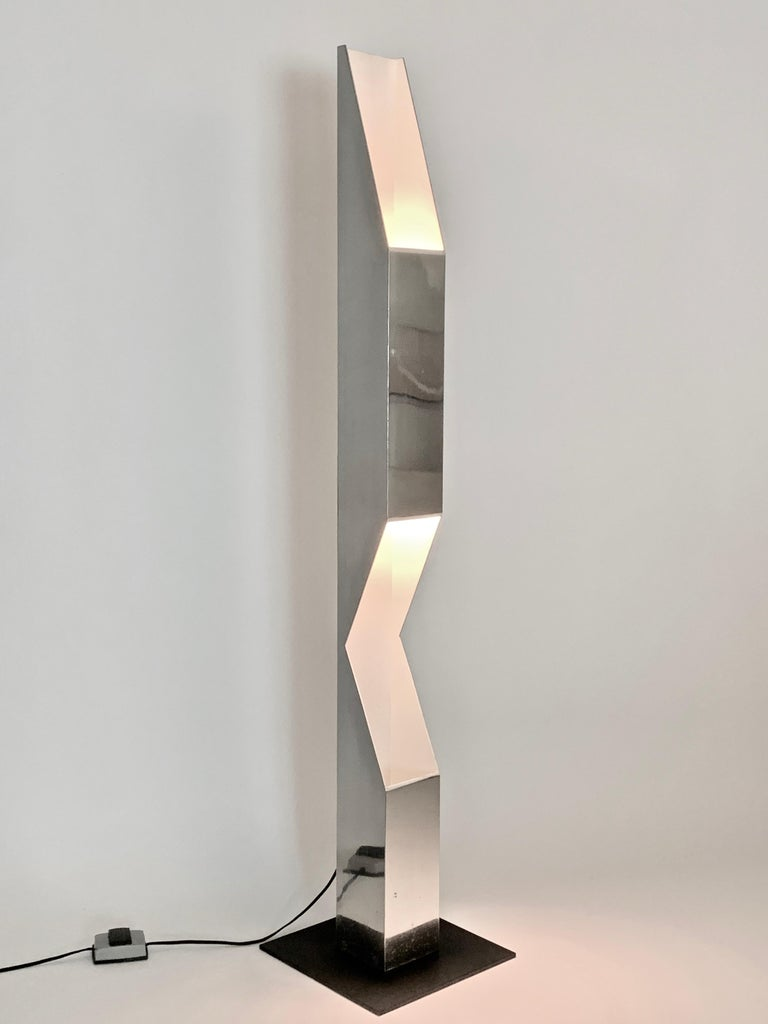 Neal Small for Koch & Lowy Aluminum and Steel Skyscraper Floor Lamp, 1970s For Sale 3