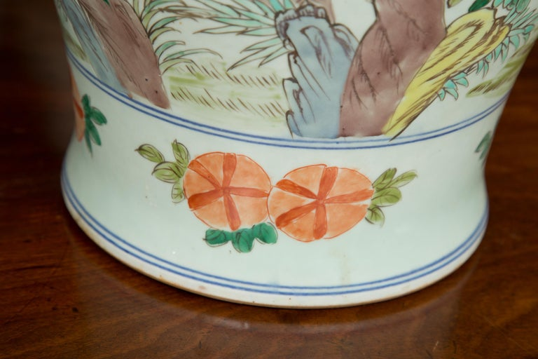 Hand-Painted Near Pair of Chinese Lidded Urns For Sale