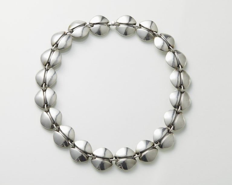 Necklace Designed by Henning Koppel for Georg Jensen, Denmark, 1940s In Good Condition For Sale In Stockholm, GB