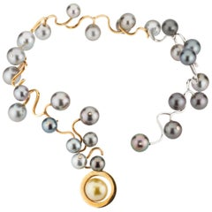 Statement Necklace in 18 K Yellow and White Gold Tahitian Pearls and Diamonds