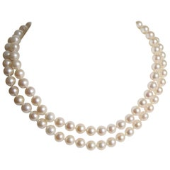 Necklace Two Rows of Pearls with 18 Carat Yellow Gold Clasp