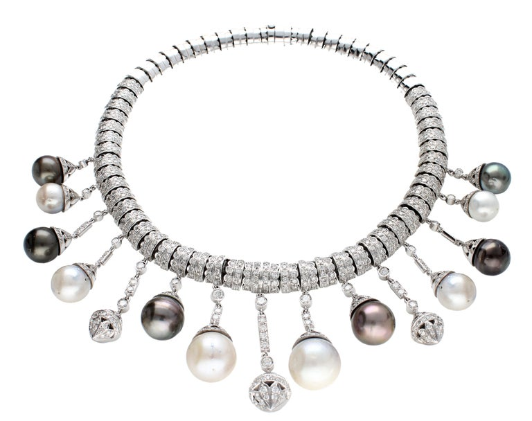 Necklace White Gold and Diamonds, Pendants with White and Black Pearls S.S. For Sale 9