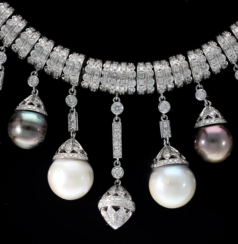 Necklace White Gold and Diamonds, Pendants with White and Black Pearls S.S. In New Condition For Sale In Rome, IT