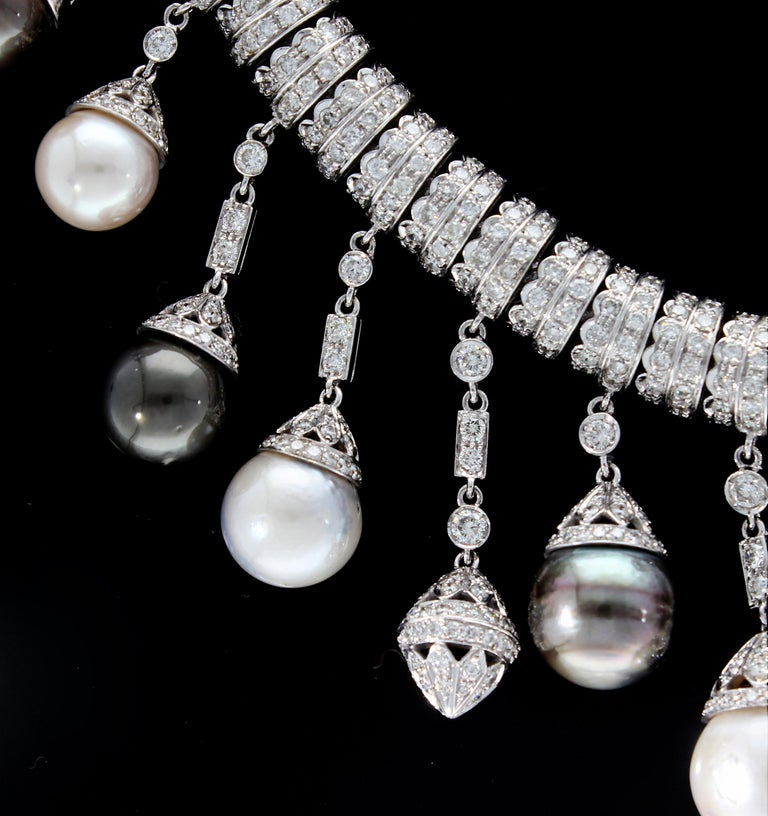 Necklace White Gold and Diamonds, Pendants with White and Black Pearls S.S. For Sale 3