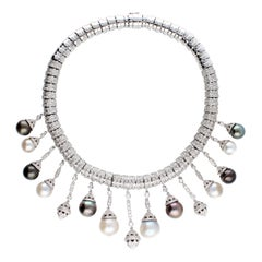 Necklace White Gold and Diamonds, Pendants with White and Black Pearls S.S.