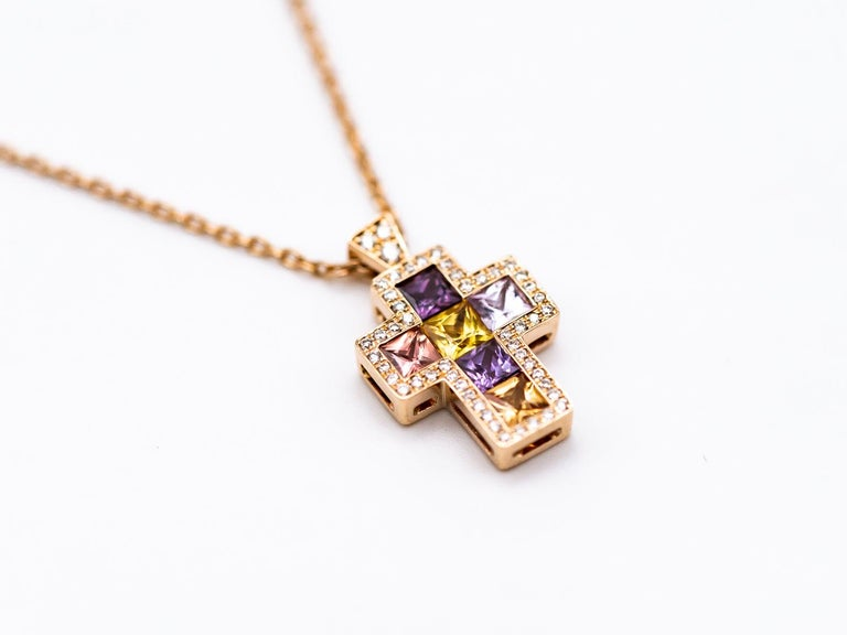 Princess Cut Necklace with Pendentif Multicolore Cross Saphirs Diamonds Pink Gold For Sale