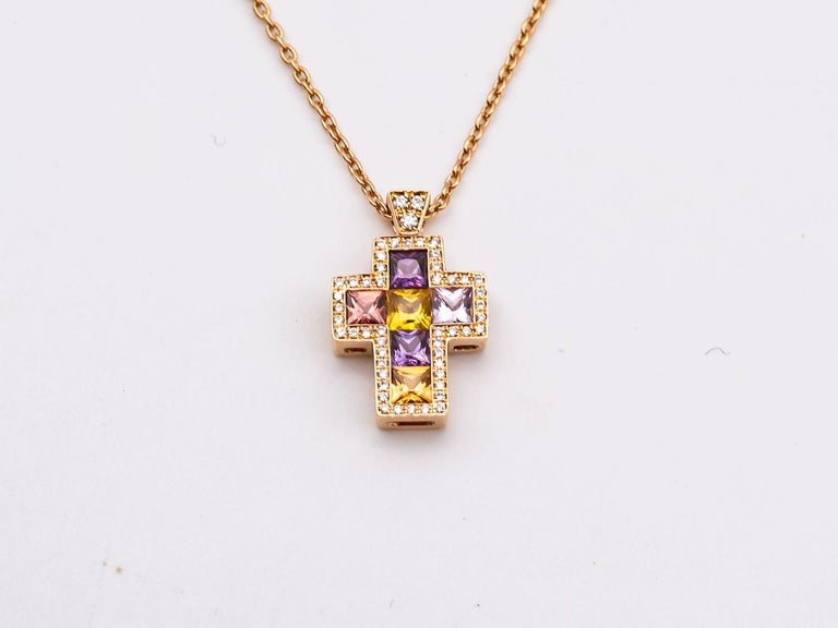 Necklace with Pendentif Multicolore Cross Saphirs Diamonds Pink Gold In New Condition For Sale In Vannes, FR
