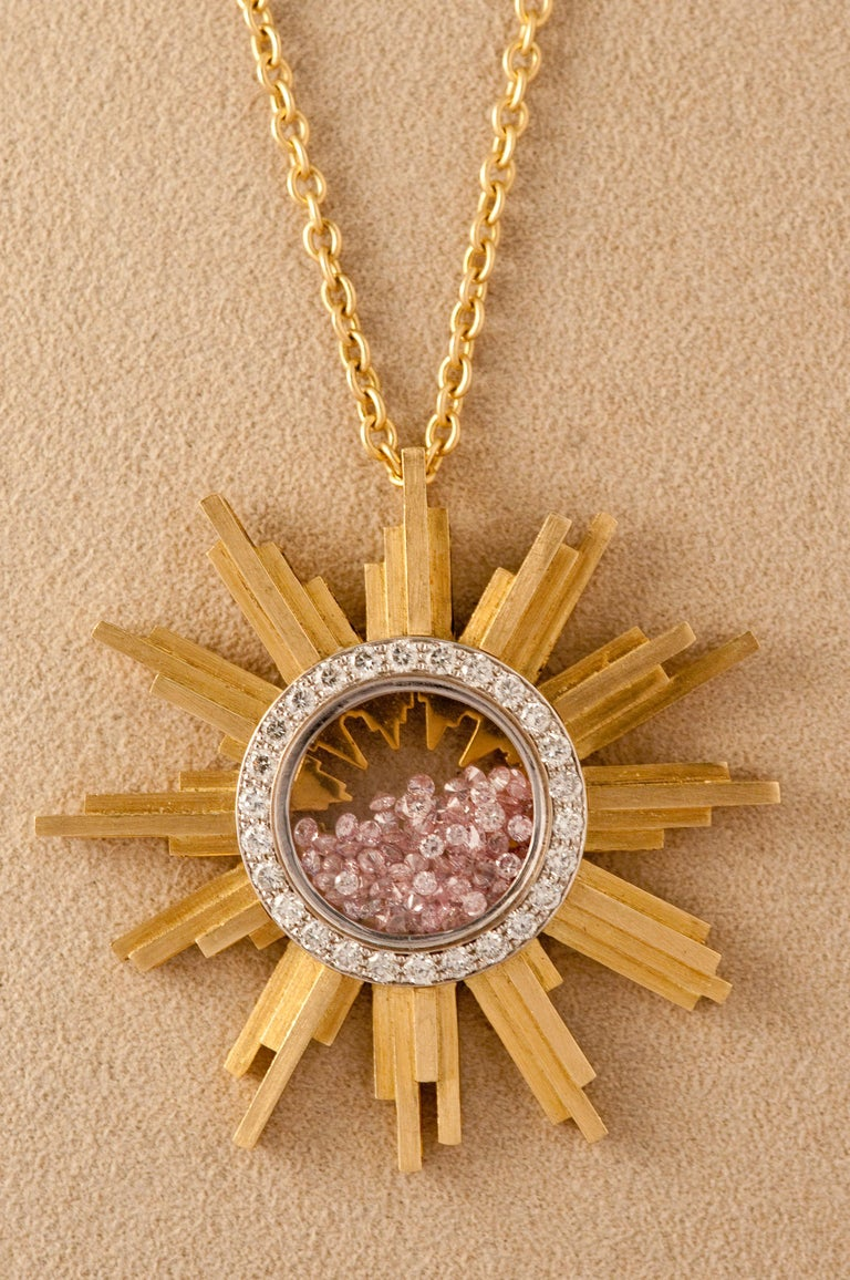 Necklace, Yellow Gold Sun 34 Grams, Diamonds White and Pink 2.27 Carat, Unique In New Condition For Sale In Vannes, FR
