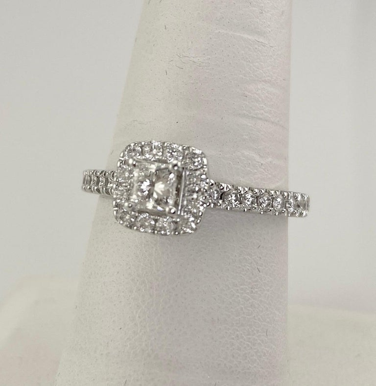 Neil Lane Princess and Round Diamond HAlo Ring 7/8 Carat 14 Karat W/G In Excellent Condition For Sale In Daytona Beach, FL