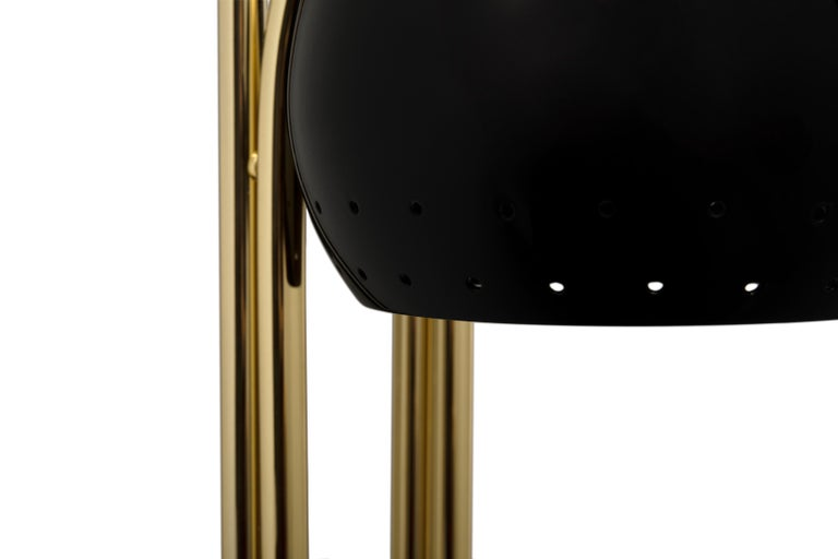 Neil wall is just the perfect piece of retro lighting design you've been waiting for. A superb piece of remembrance of the retro style designs, Neil has a modern twist to it. Its elegance and the fluidity of its shape blend perfectly into a modern