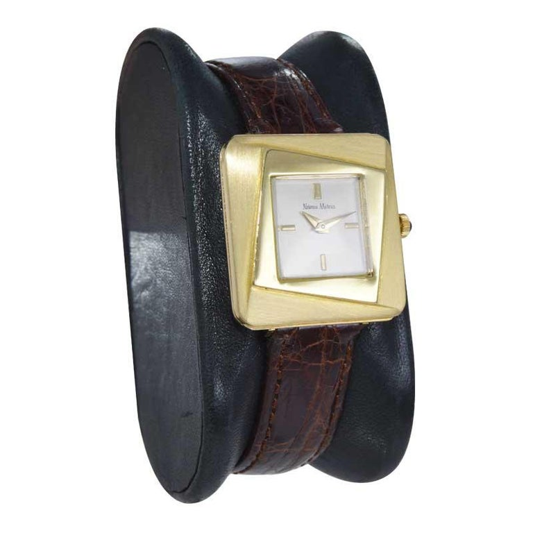 Neiman Marcus Mid Size Mid Century Wrist Watch in Excellent Original Condition In Excellent Condition For Sale In Long Beach, CA