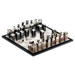 Nelson Chess Set in Horn, Palladium-Plated Brass and Mirrored Glass, Mod. 3010