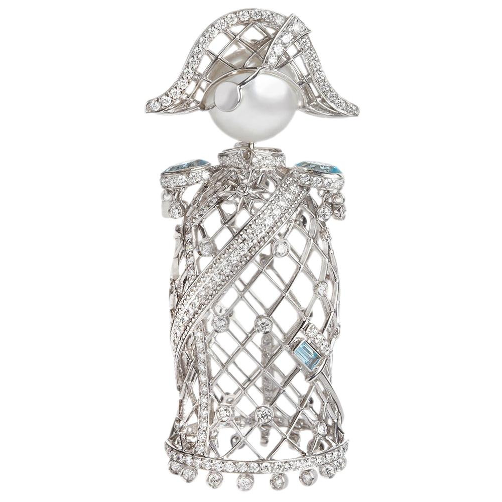 Sybarite Jewellery Nelson 2.62 Carat Diamond Charm 18 Karat Gold South Sea Pearl