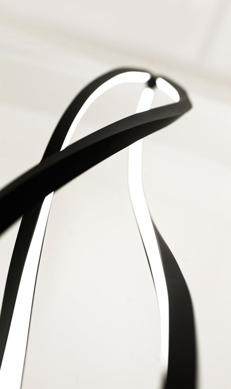 Nemo In the Wind Pendant Vertical Dimmable Lamp LED 3000K by Arihiro Miyake In New Condition For Sale In Milan, Italy