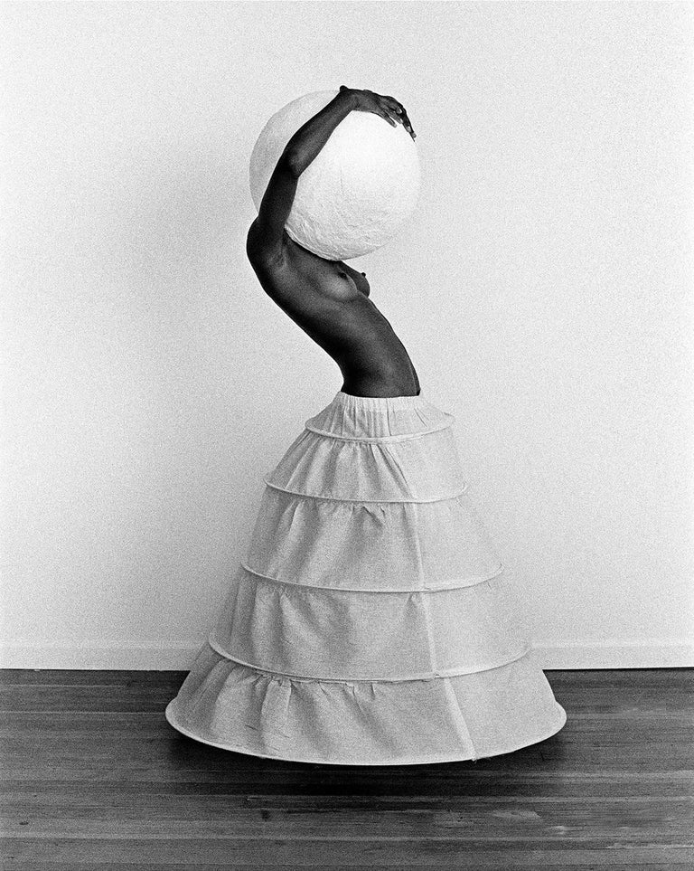 Nenad Samuilo Amodaj Black and White Photograph - Hoop and Ball