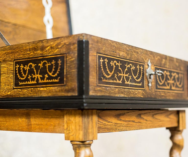 Neo-Baroque Oak Sewing Table, circa Late 19th Century For Sale 5