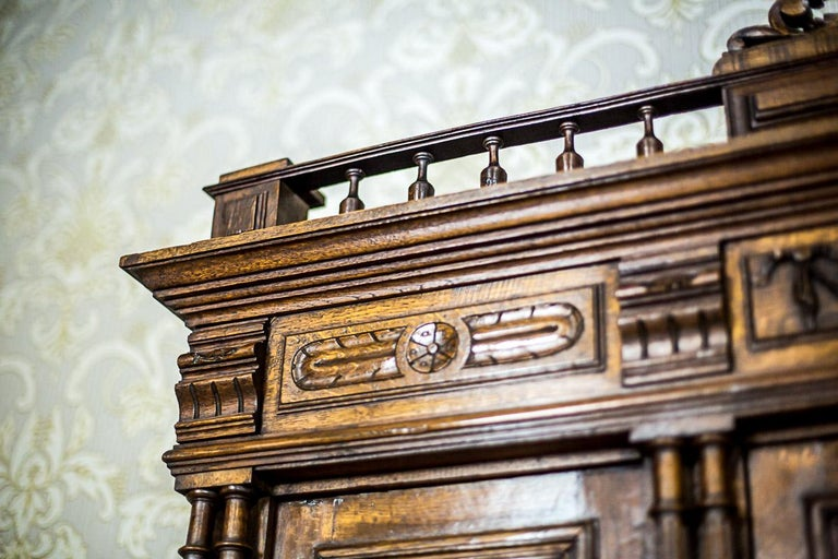 Neo-Renaissance Oak Cupboard, circa 1890 For Sale 1