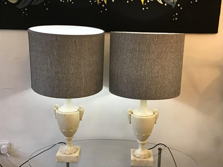 Neoclassical Alabaster Italian Table Lamps In Good Condition For Sale In London, Lambeth