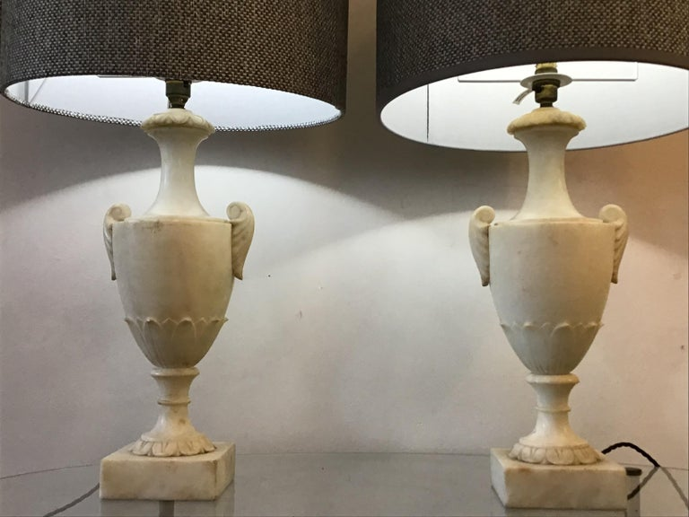 Neoclassical Alabaster Italian Table Lamps For Sale 3