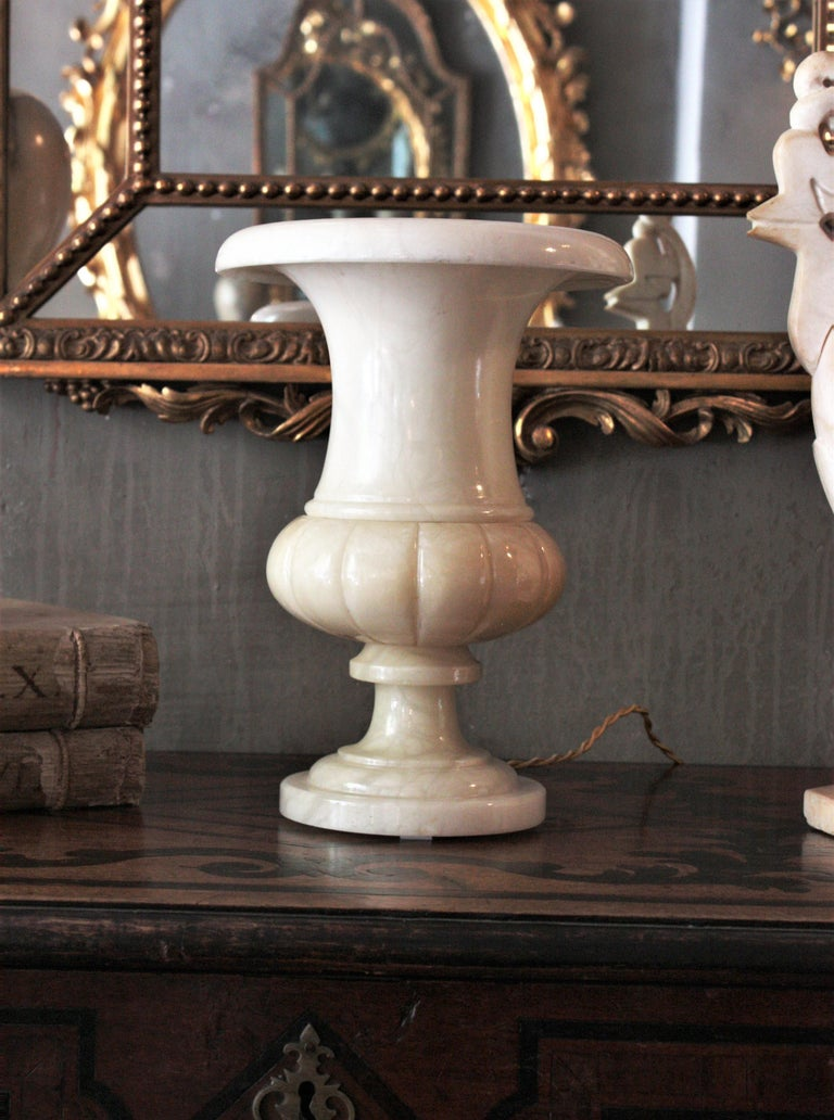 Neoclassical Art Deco Alabaster Urn Lamp For Sale 3