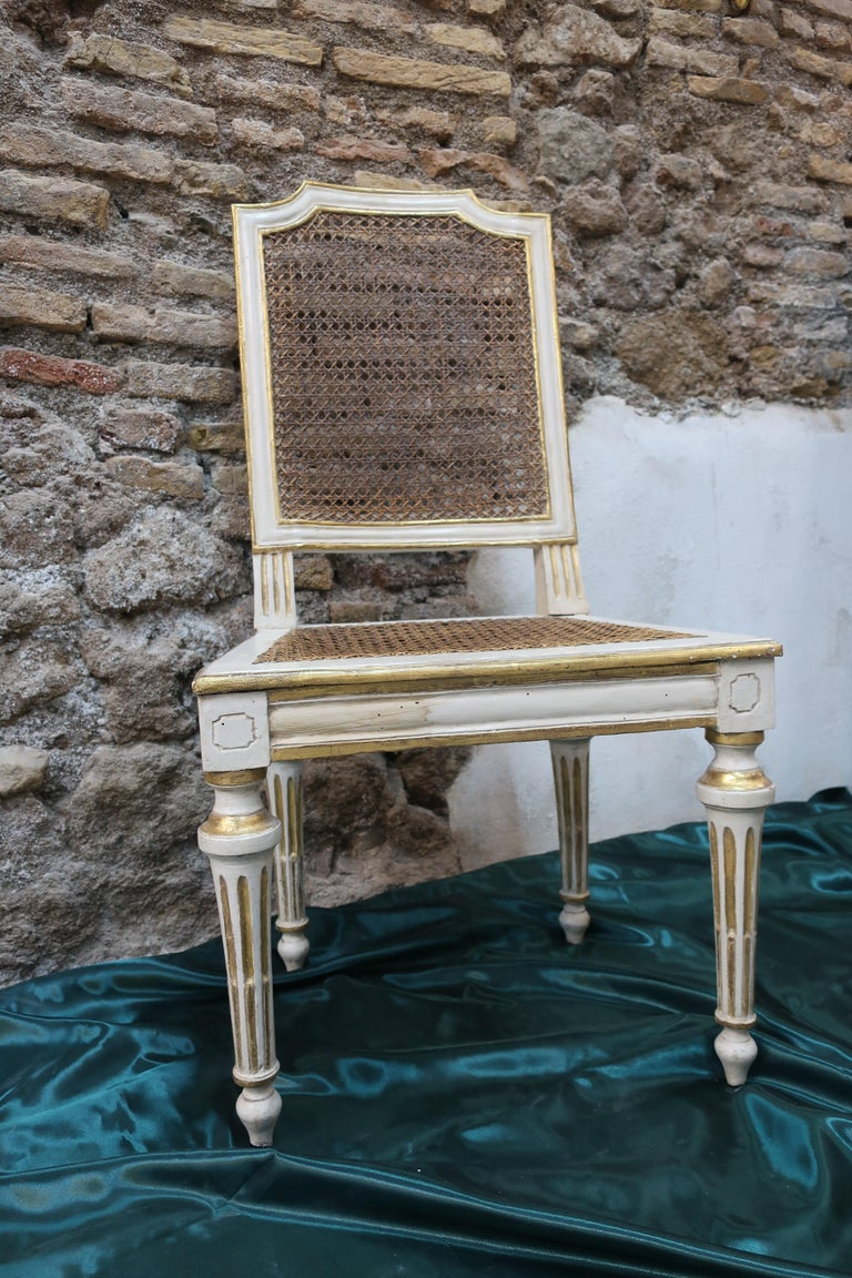 European Neoclassical chair Walnut Wood Lacquered in Ivory and Gold For Sale