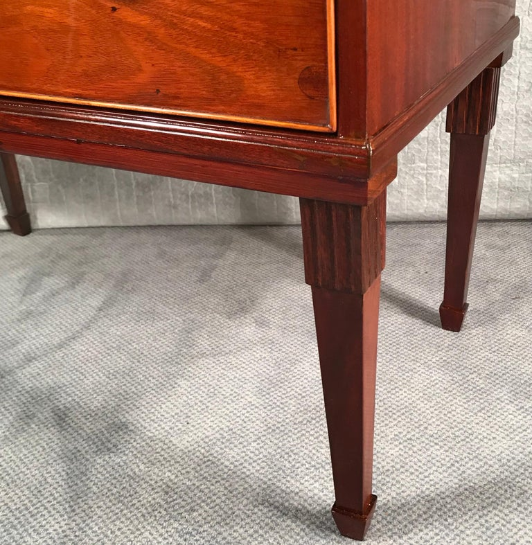 Neoclassical Dresser, Northern Germany 1800, Mahogany For Sale 3