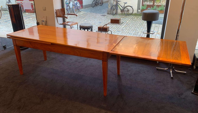 Neoclassical Expandable Dining Table, Cherry Wood, Chestnut, France, circa 1820 For Sale 5