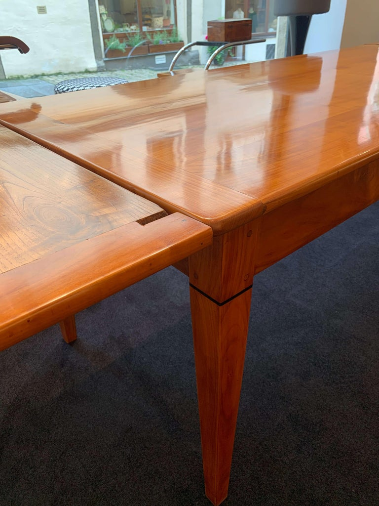 Neoclassical Expandable Dining Table, Cherry Wood, Chestnut, France, circa 1820 For Sale 9