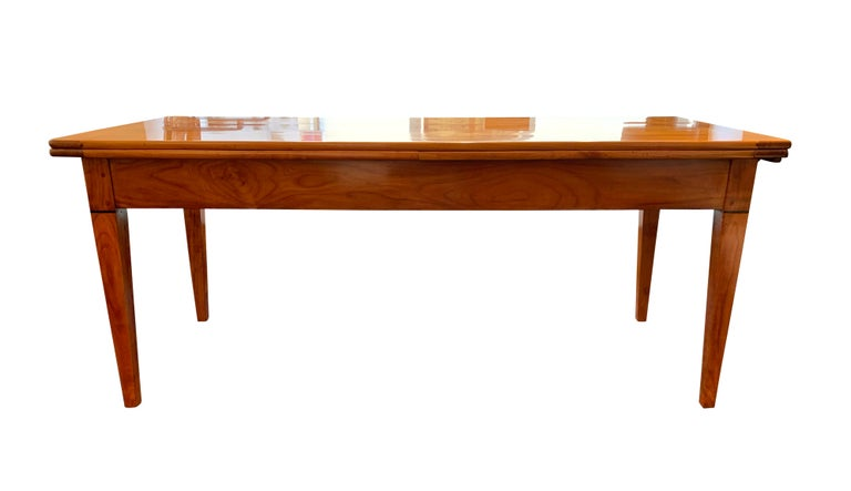 French Neoclassical Expandable Dining Table, Cherry Wood, Chestnut, France, circa 1820 For Sale