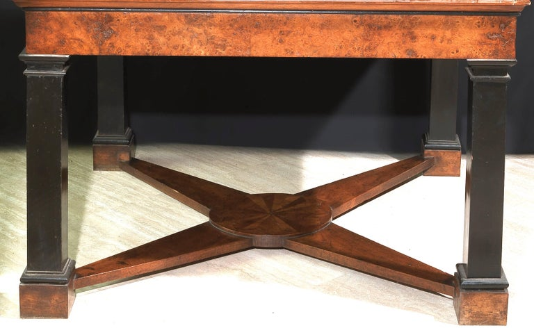 Neoclassical Italian Center Table with Imperial Porphyry Marble Tabletop In Good Condition For Sale In Rome, IT