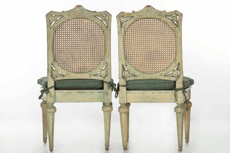 Wood Neoclassical Italian Pair of Polychromed Antique Side Chairs, circa 1790-1810 For Sale