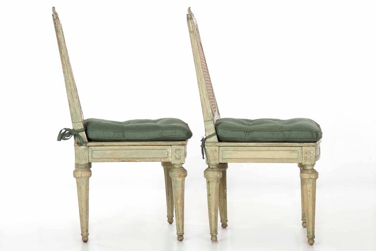 Neoclassical Italian Pair of Polychromed Antique Side Chairs, circa 1790-1810 For Sale 1
