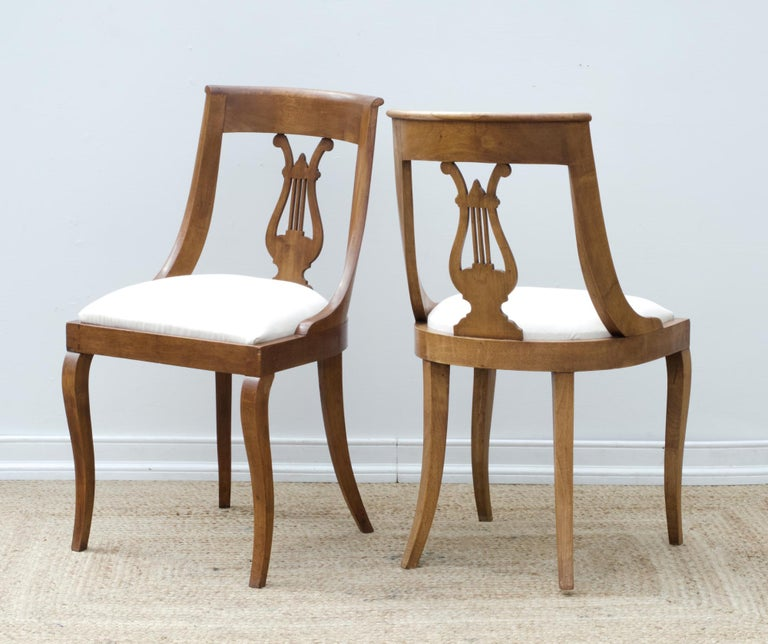 Hand-Carved Neoclassical Lyre Back Game Table Chairs, Set of 4 For Sale