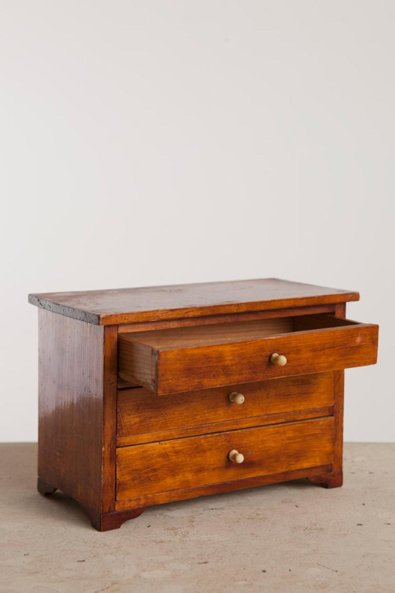 Swedish Neoclassical, Mahogany Miniature Cabinetmakers Sample Commode / Box, ca 1800 For Sale