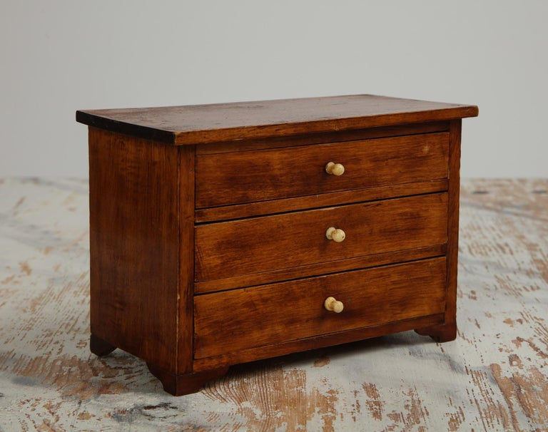 19th Century Neoclassical, Mahogany Miniature Cabinetmakers Sample Commode / Box, ca 1800 For Sale