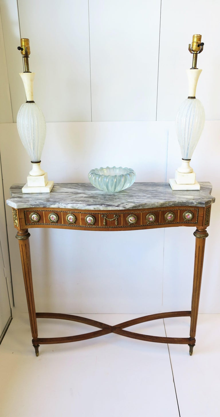 Neoclassical Marble and Brass Console Table For Sale 2