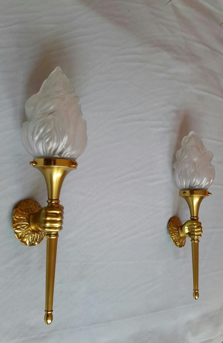 Mid-20th Century Neoclassical Pair of Big Gilt Bronze Sconces by Maison Bagues, France, 1960s For Sale