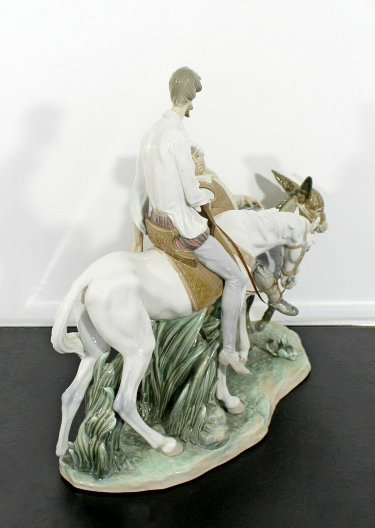 Neoclassical Porcelain Don Quixote Table Sculpture Signed Lladro Spain, 1970s For Sale 4